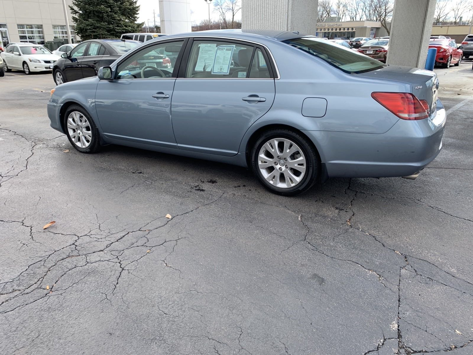 Pre-Owned 2010 Toyota Avalon XLS